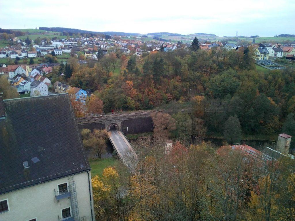 Blick auf Waldnaabbrücke und Windischeschenbach vom Butterfassturm Neuhaus