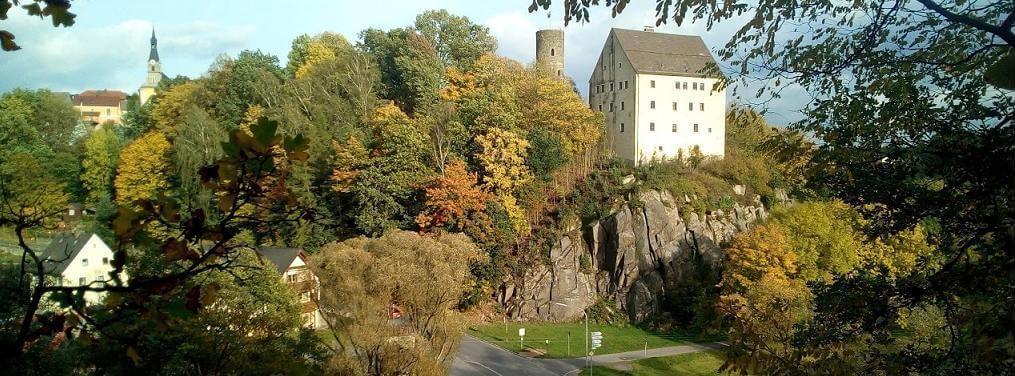 Burgfelsen Neuhaus, Windischeschenbach, Waldnaabtal, Burg Neuhaus, Herbst; © Harald Rost, https://www.durreck.de/wp/burgfelsen-neuhaus